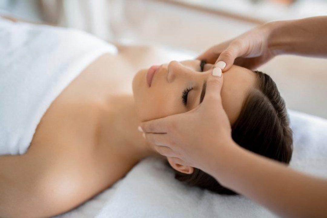 Massaggio Viso antiage, trattamento ayurvedico antirughe