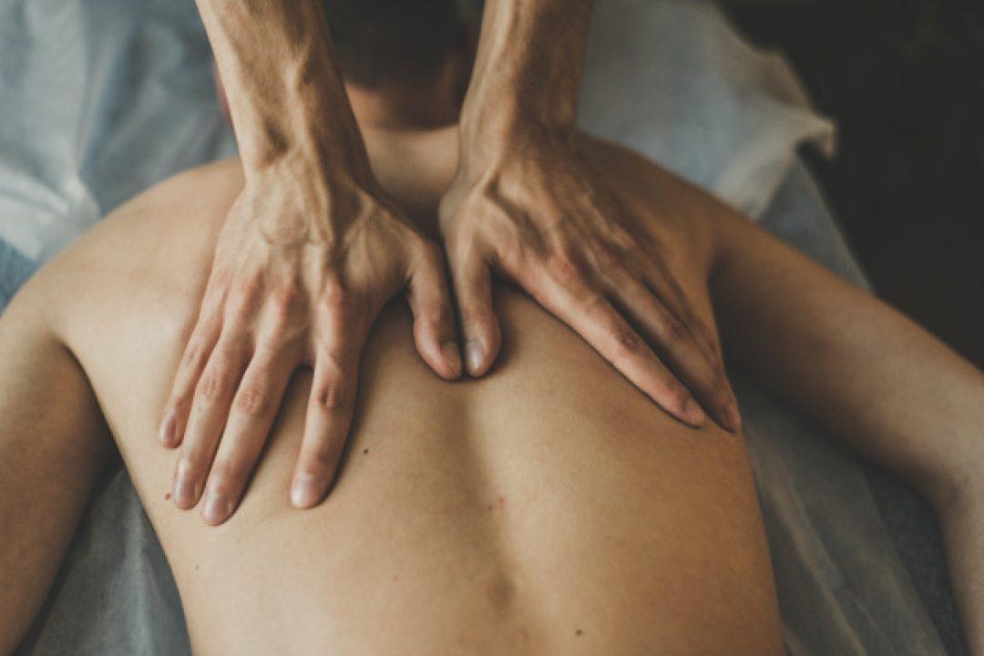 Come correggere la postura della schiena